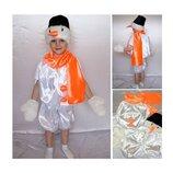 Новогодний костюм Снеговик атлас 2 размера на 3-7 лет.