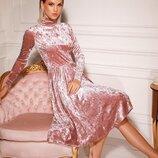 Бархатное платье-миди.