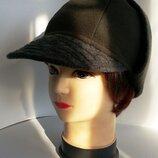 Шапка ушанка кепка жокейка женская. Цена 250 гр.