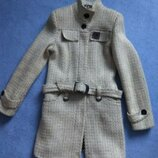 Стильне молочне весняне осіннє пальто стильное осеннее весеннее молочное пальто с ремешком