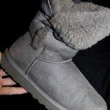 39 разм. Зимние сапоги Ugg Australia. Кожа на цегейке Длина по внутренней стельке - 25,5 см,