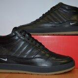 Зимние кроссовки Nike.