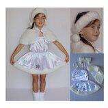 Новогодний костюм Снежинка 2 размера на 3-7 лет.