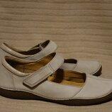 Отличные комбинированные кожаные неформальные туфли цвета слоновой кости Clarks Artisan 39.