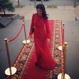 Нарядное красное длинное платье изящное шифоновое