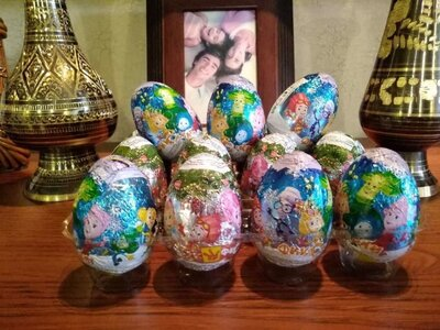 Шоколадные яйца с игрушкой