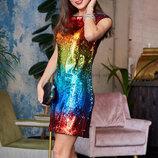 Блестящее и яркое вечернее платье мини с пайетками