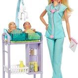 Barbie Careers Baby Doctor Playset Барби Педиатр с двумя малышами Детский доктор