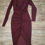 Красивое платье boohoo цвета марсала на стройную девушку