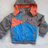 Куртка, ветровка мальчику р. 110-116.