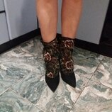 Моднейшие туфельки ботильоны Zara с вышивкой 38 размер
