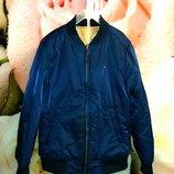 Классная двусторонняя куртка-бомбер,рост 128 см 8 лет ,Tommy Hilfiger