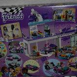 Конструктор Лего LEGO® Friends Мастерская по тюнингу автомобилей 41351