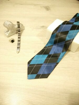 Стильный мужской галстук из шёлка в синей гамме. Чоловіча краватка.