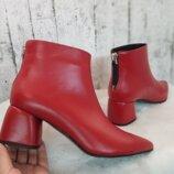 Ботинки из натуральной кожи цвета