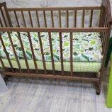 Простынь на резинке в детскую кроватку ткань 100 % хлопок.Много расцветок.