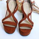Красивые, удобные коричневые босоножки на высоком каблуке с переп