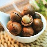 Орехи Макадамия 1кг Китайская макадамия пряная, молочного цвета, имеет карамельный привкус.