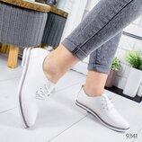 Туфли женские Classic белые кожа