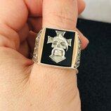 Мужской серебряный перстень с золотыми вставками