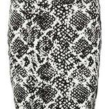 Мини юбка от vero moda , в расцветку питон оригинал