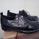 Новые, шикарные лаковые туфли 38 р. 25