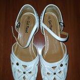 Белые балетки,туфли