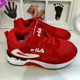 Красные и черные кроссовки FILA