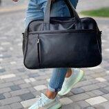 Черная сумка из эко-кожи