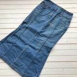 Шикарная джинсовая юбка BOSS размер М