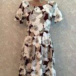 Платье в цветы из плотной фактурной ткани размер 8-10 dorothy perkins
