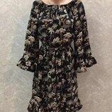 Платье в принт с широким рукавом и рюшами размер 8-10 h&m