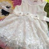 Красивое дорогое нарядное платье на 1-2 годика
