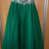 шикарное вечернее платье на 54-56 размер зеленое пышное