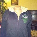 Очень классная и теплая куртка на холодную осень/зиму в хорошем состоянии, внутри полностью искусств