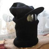 Шапка черная маскировочная с вырезом для глаз и козырьком