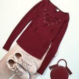 Красивый свитерок со шнуровкой от Н&м