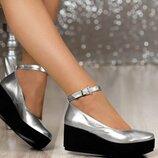 Женские натуральные серебряные кожаные,замшевые туфли на средней платформе,танкетке с ремешком