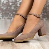 Женские бежевые натуральные замшевые,кожаные туфли с ремешком на среднем каблуке под обтяжку обтяжно
