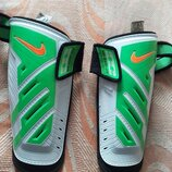 Фирменные щитки Nike Guard Lock