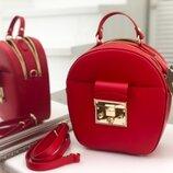Шикарная красная кожаная сумка Италия