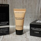 Givenchy Teint Couture Everwear SPF20 тон Y205 мини 5мл