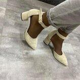 енские бежевые натуральные кожаные замшевые туфли босоножки с ремешком на каблуке 6 см под обтяжку