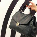 600 вариантов сумок. Заходи Женская кожаная сумка Италия Laura Biagiotti TS000090