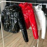 Куртка LUCKY Мега стильная лаковая укорочённая «дутая» куртка - бомбер со съемным капюшоном Ткань