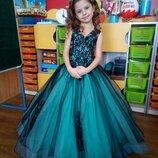 Элегантное выпускное платье в двух размерах и разных расцветках.