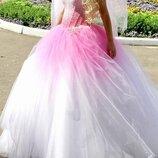 Шикарное нереальной красоты кукольное свадебное платье с фатой