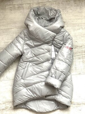 Весенняя куртка Асиметрия для модниц