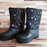 Зимние непромокаемые женские сноубутсы-дутики черные