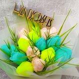 Подарочный букет тюльпанов 8 марта. Подарок. Цветы. Тюльпаны. Мыло.
